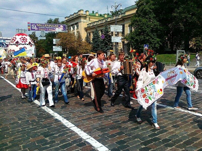 Парад вышиванок 2012 в Киеве