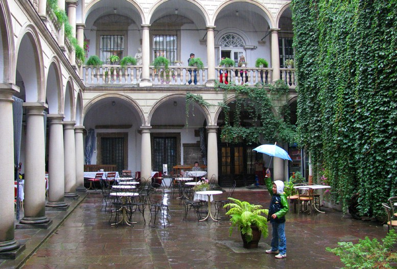 Львов - Итальянский дворик
