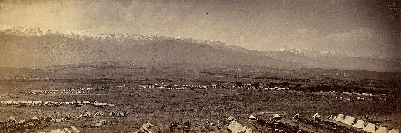 46. Панорама британского военного лагеря с Сефид-Кухом на заднем плане