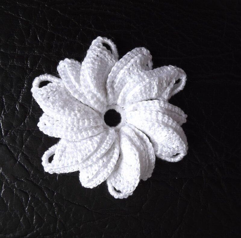 Зимний сад 20 (белый цветок)