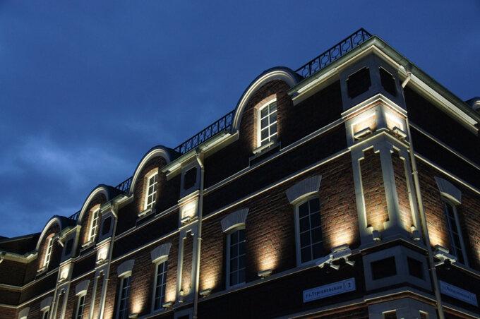 Подсветка зданий прожекторами Geniled