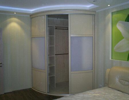 Для...  Проекты, схемы и чертежи внутреннего наполнения радиусных (радиальных) шкафов купе и гардеробных.