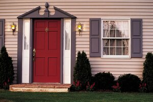 Двери в частном доме