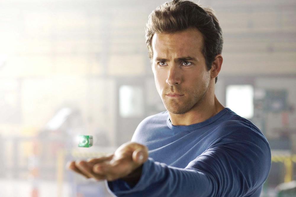 Экранизация комикса о Зеленом фонаре должна была стать новым флагманом Warner Bros., которая продолж