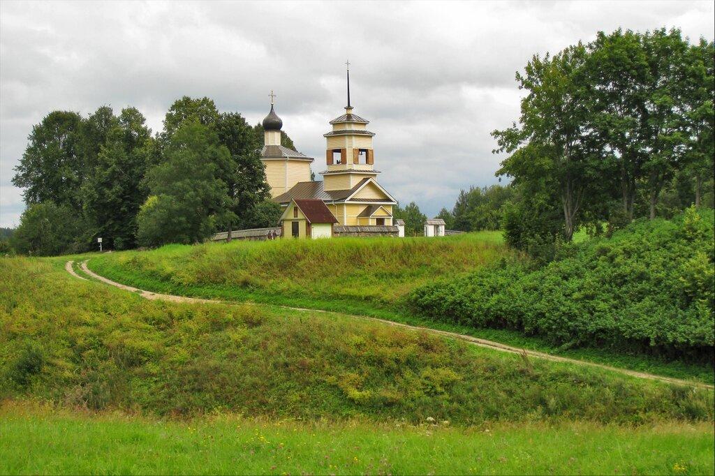 Храм Георгия Победоносца на городище Воронич