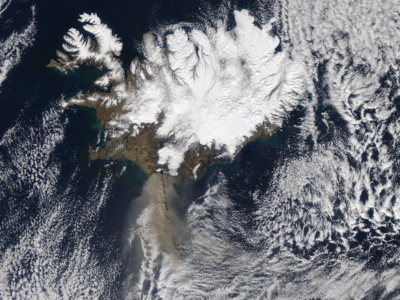 The MODIS instrument on NASA's Aqua satellite captured an Ash plume from Eyjafjallajokull Volcano over the North Atlantic at 13:20 UTC (9:20 a.m. EDT) on April 17, 2010. The Eyjafjallajokull volcano in Iceland erupted Wednesday, April 14, for the seco