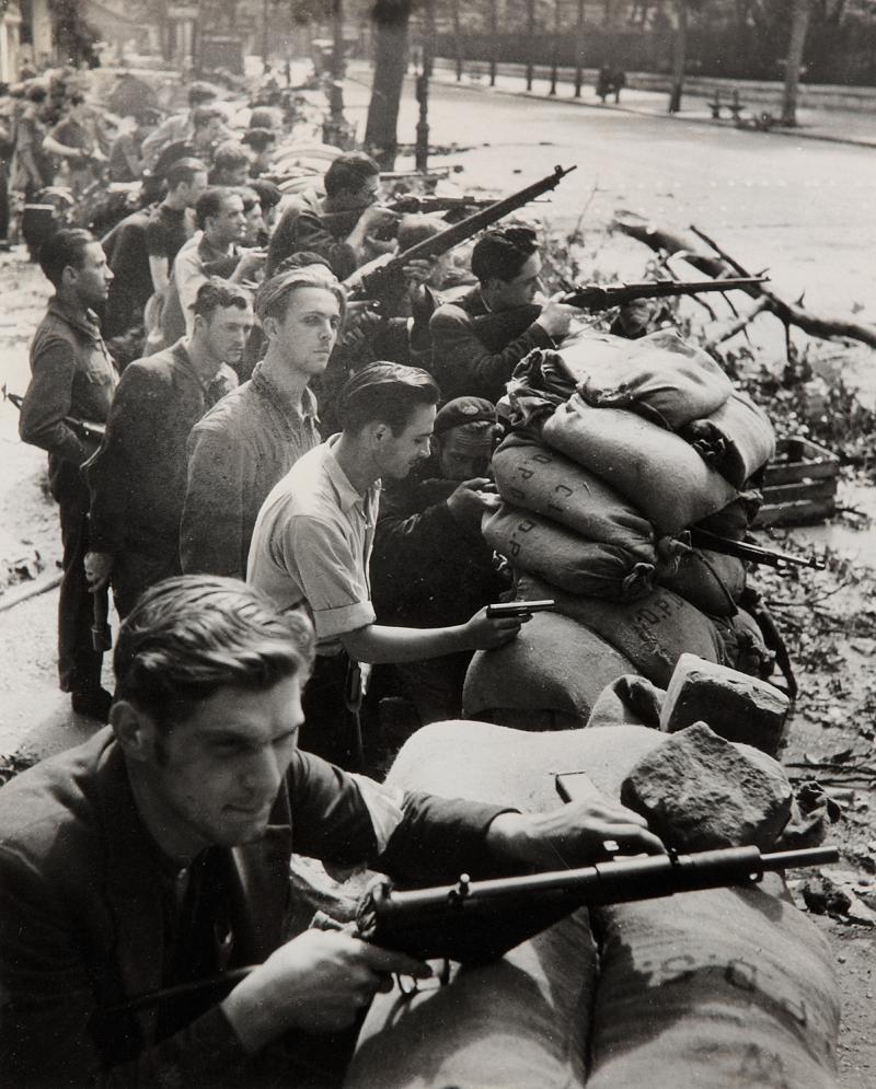 1944. Баррикады, бульвар Сен-Мишель и Сен-Жермен
