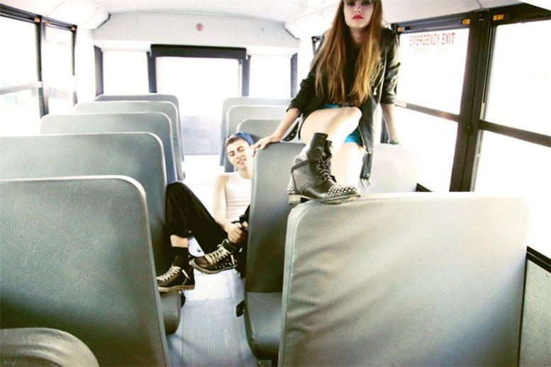 Alexandra Tikerpuu, Micky Ayoub, Hali Kai в рекламе коллекции обуви Steve Madden, осень 2012 / фотограф Kareem Black