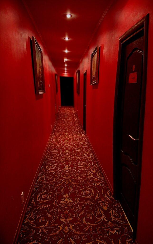 тарелка помогает коридор красный фото полноценной реставрации