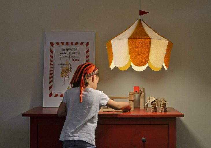 "Following their first collaboration which resulted in the ""Tipi"" family of table lamps, the Spanish"
