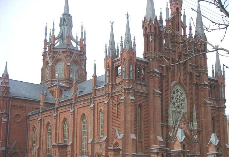 Основной объём храма был построен в 1901—1911 годах. Деньги на