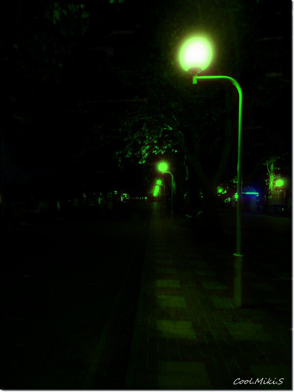Свет фонарей.