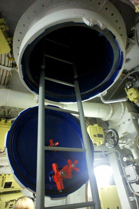 поиск аварийной подводной лодки
