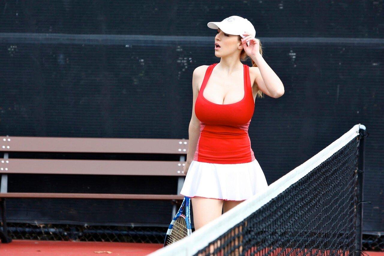 Теннисистка в красной майке, порно пизда домин