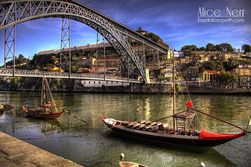 лодки на реке Дору