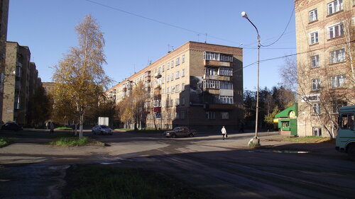 Фотография Инты №1492  Между домами Воркутнская 16 и 8 14.09.2012_15:13