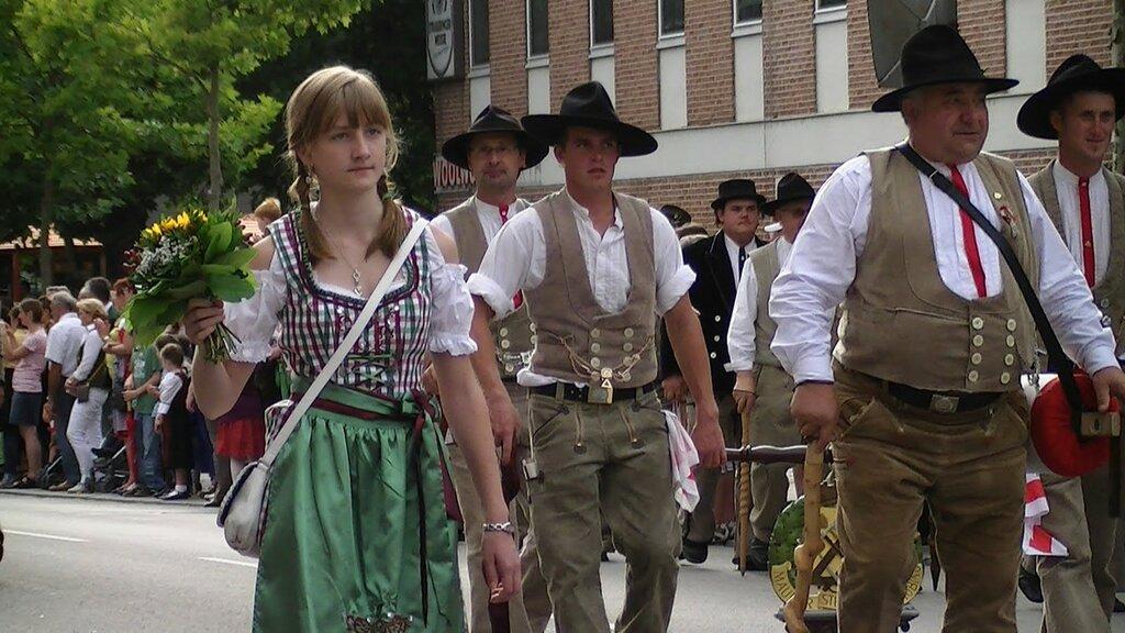 Общества любителей национального костюма в Баварии - Trachtenverein