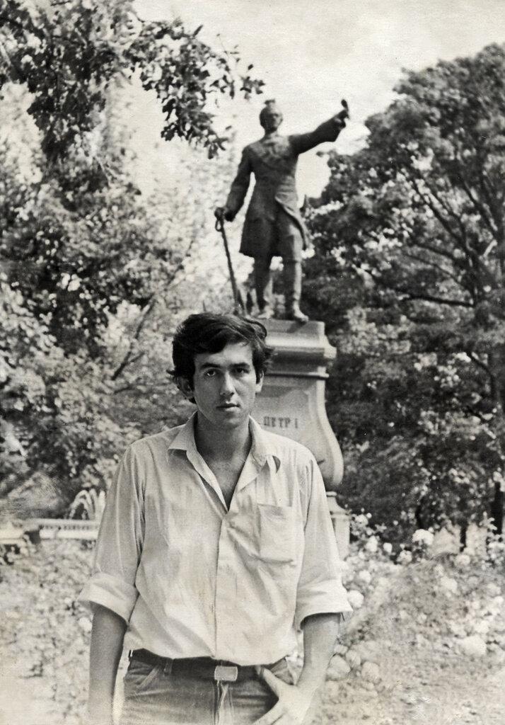 Воронеж, у памятника Петру I. 1975 год.