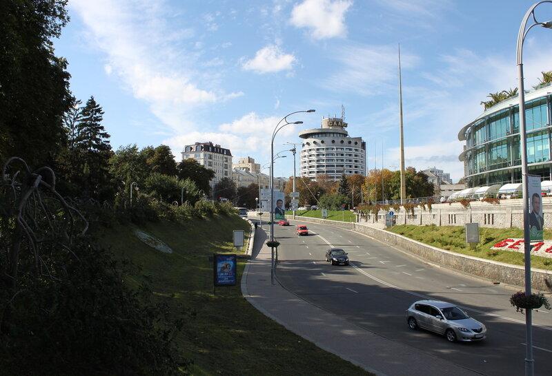 Улица Героев Крут