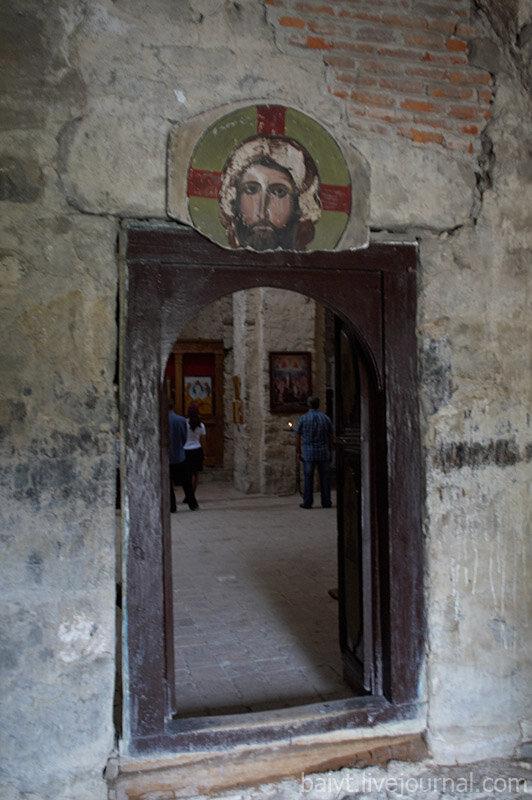 Монастырь Икалто. Вход в церковь Святого Духа.
