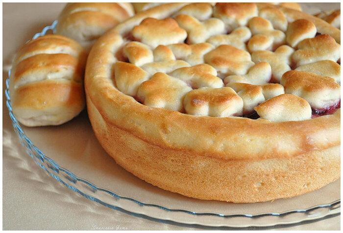 Сдобный пирог с повидлом фото рецепт