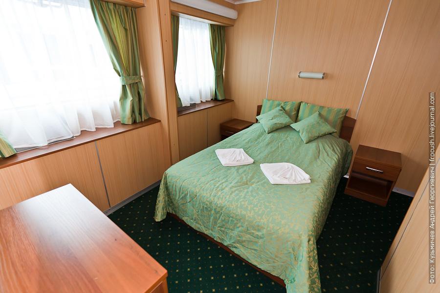 теплоход Феликс Дзержинский фото спальни люкса