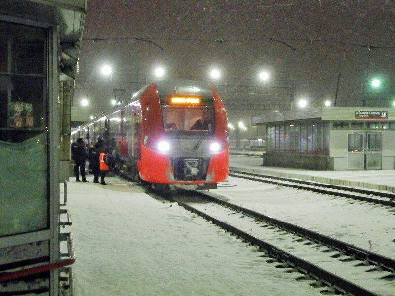 Электропоезд ЭС2Г-002, станция Екатеринбург-Пасс.