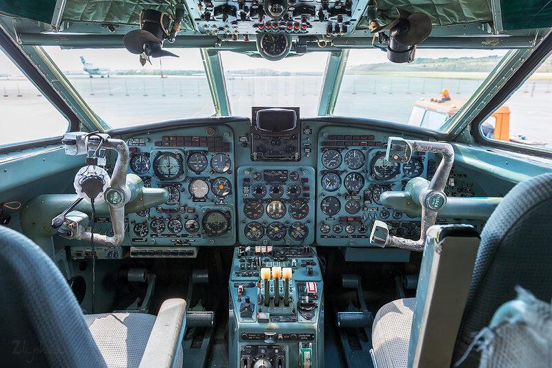 Яковлев Як-40К (RA-87974) Летные технологии DSC_4504