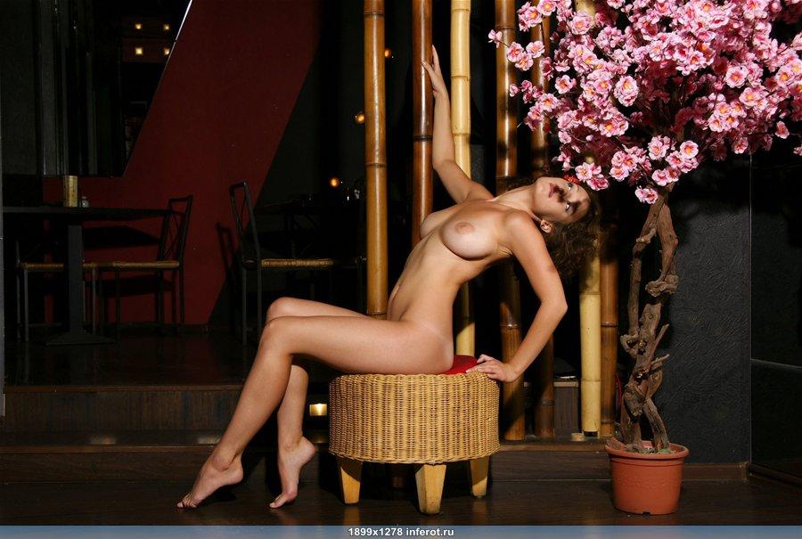 эротика девушки с большой грудью