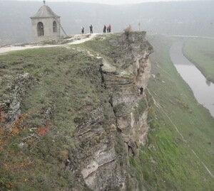Незаконные постройки - на территории памятника Старый Орхей
