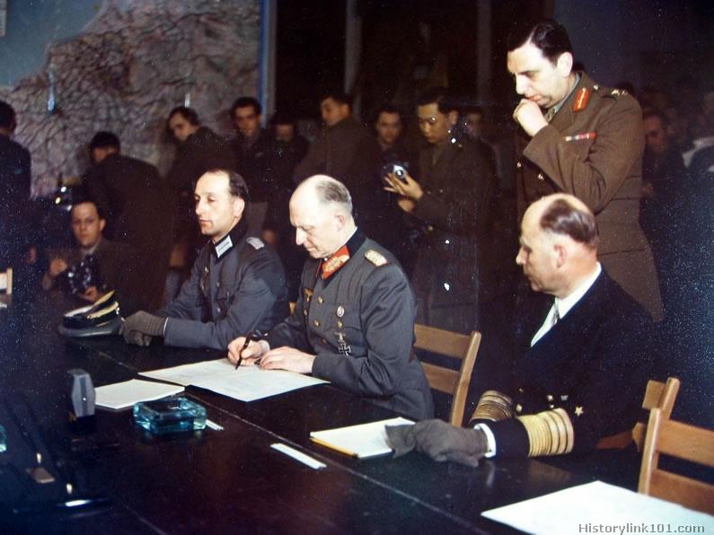 1945 Surrenderg-IMG_1243.jpg