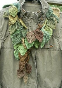 Весенняя листва - шарфик из листочков спицами Наши воплощения