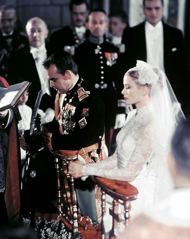 19 апреля 1956 года. Свадебная церемония князя Монако Ренье III и актрисы Грейс Келли.