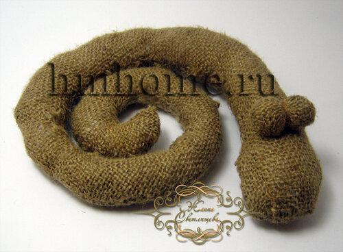 Змея из мешковины