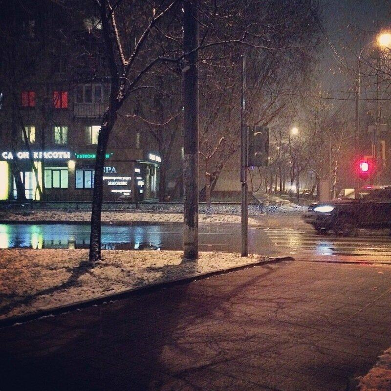 Последний дождь и первый снег на Соколе