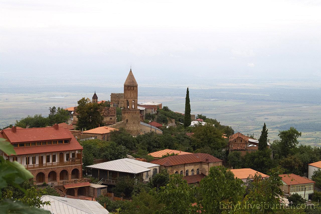 Сигнаги. Вид на исторический центр и Алазанскую долину.