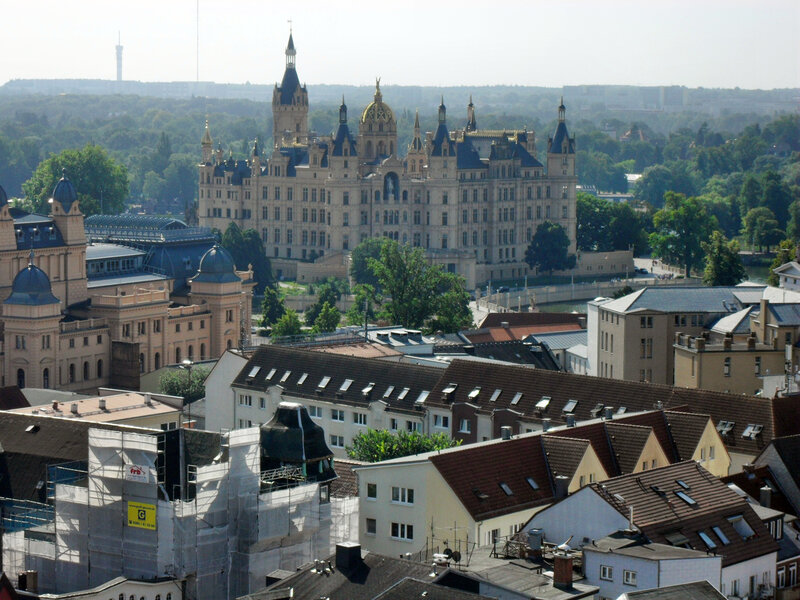 то, ради чего приезжают в Шверин туристы — Замок