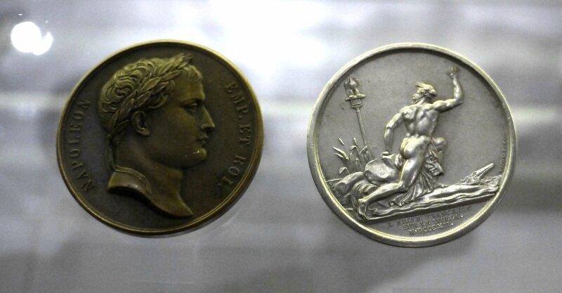 Медаль «Французский орел на Волге», 1812г. монетный двор –Париж. Медальеры: Б.Андрие, А.Мишо.