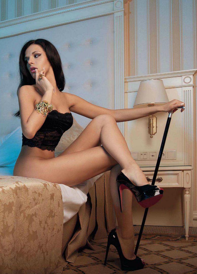 Девушка месяца Катя Захаренко в Playboy Россия, октябрь 2012