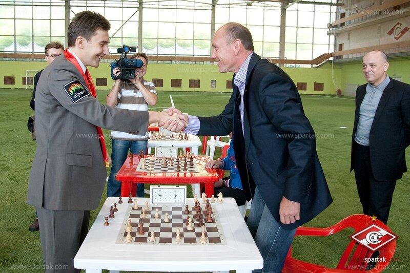 Шахматный поединок спартаковцев с Сергеем Карякиным (Фото)