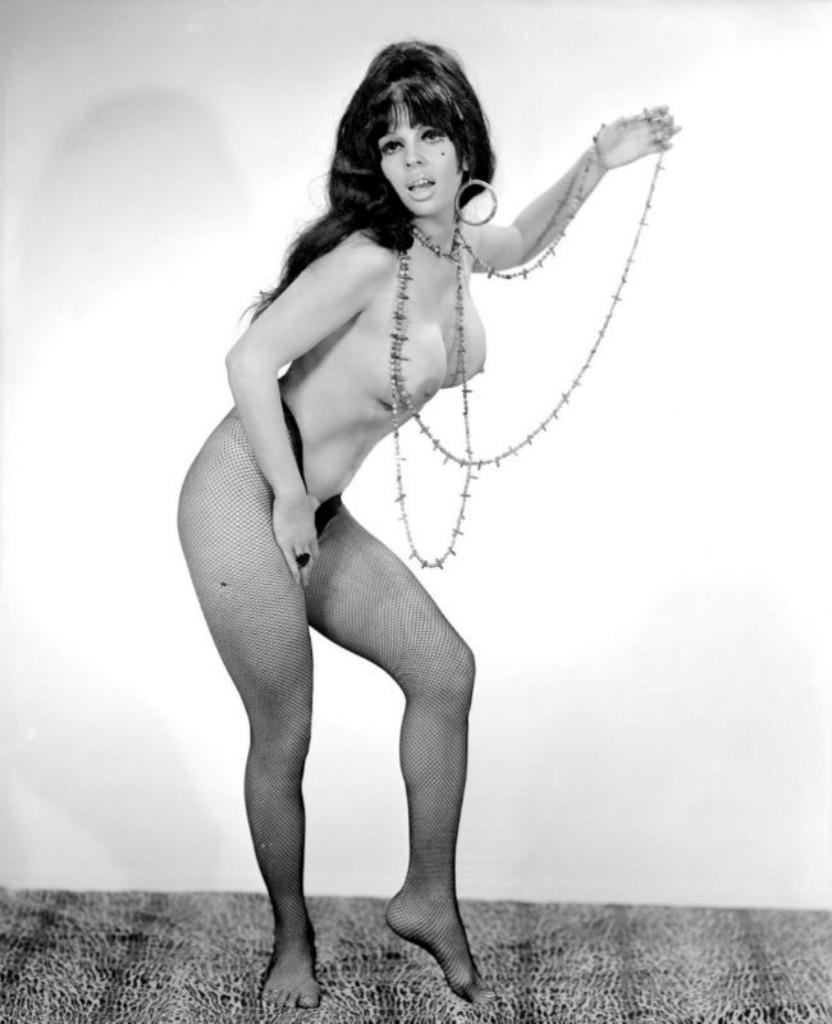 Эротические купальники 60х годов 16 фотография