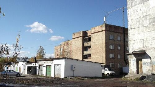 Фото города Инта №1465  Гаражи за общежитием ДОСААФ (Куратоа 3) со стороны железной дороги 13.09.2012_12:28