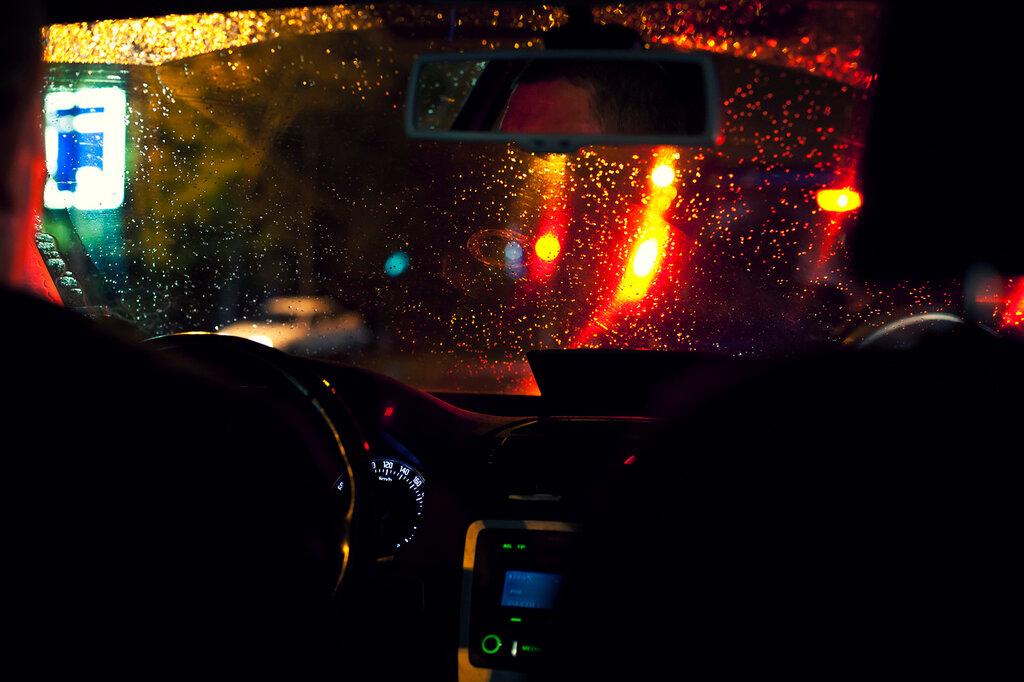фото такси на трассе