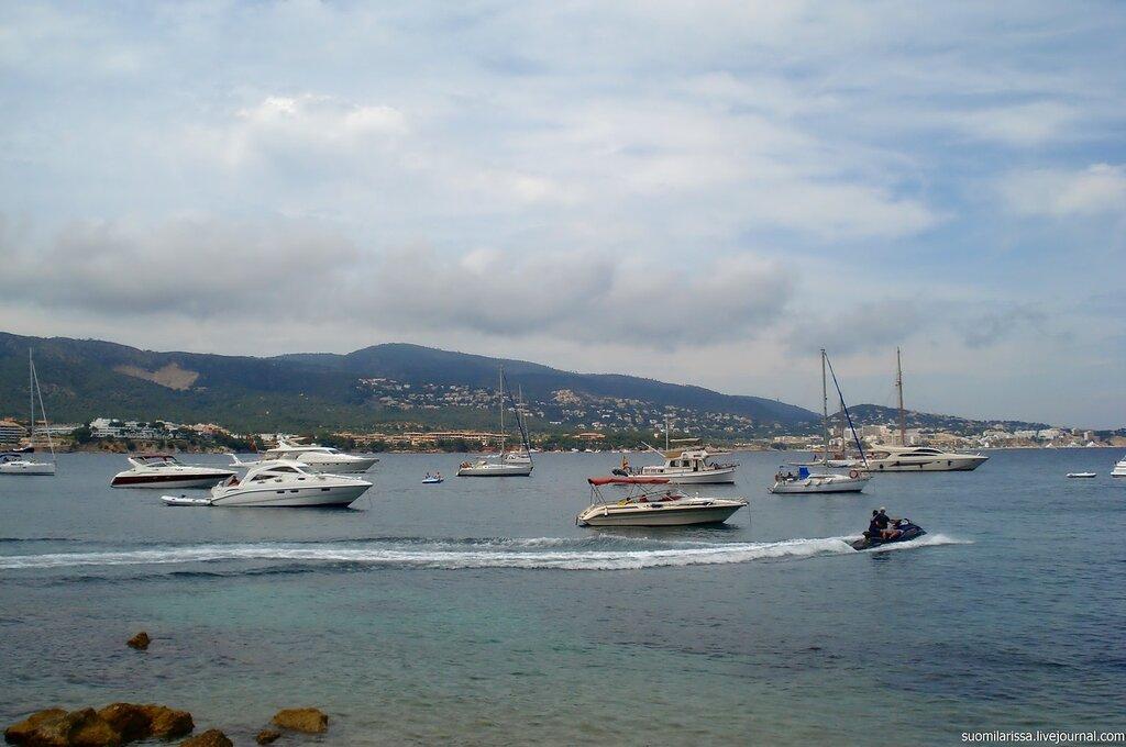 Palma Nova - яхты.