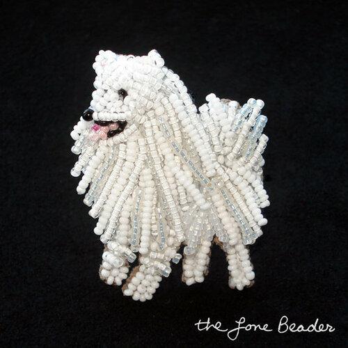 Украшения в форме собак из бисера