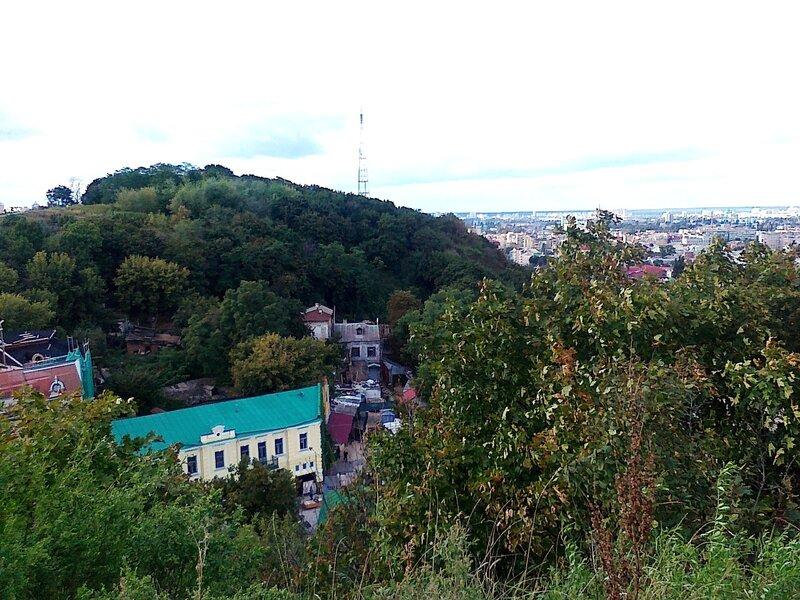 Вид от Замка Ричарда в сторону Львовской площади
