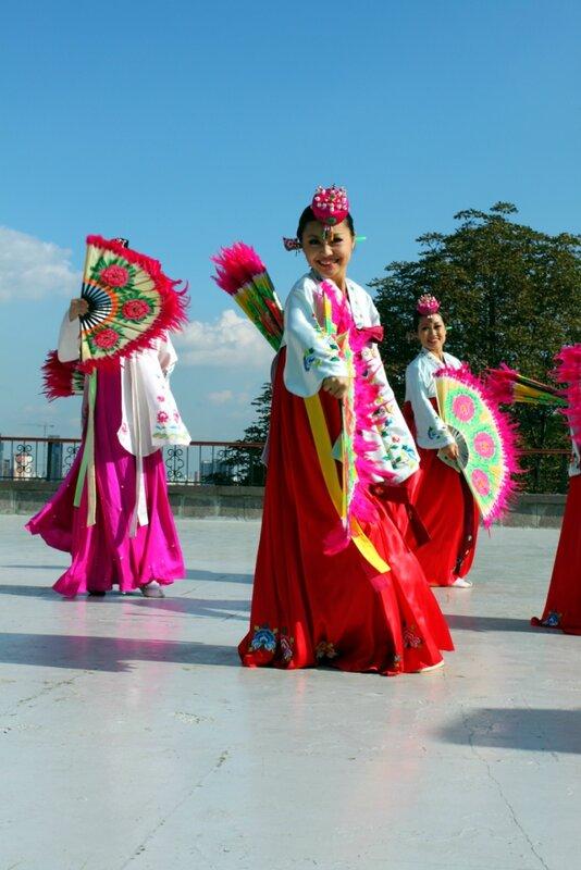 Японские танцовщицы