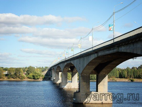 В Ярославле прокуратура проверила Октябрьский мост.
