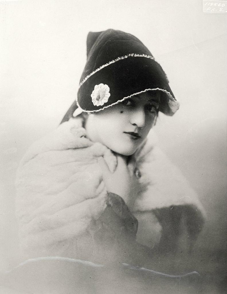0 6f5b9 4de0266 orig Женские шляпки 1913   1915 годов