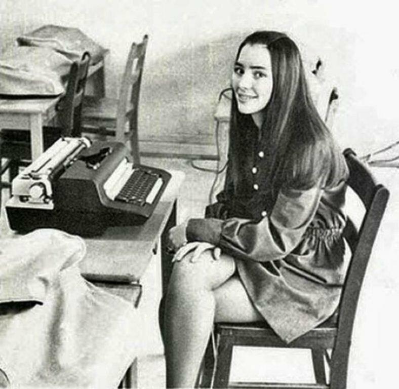 Ретро-снимки секретарш (35 фото) .